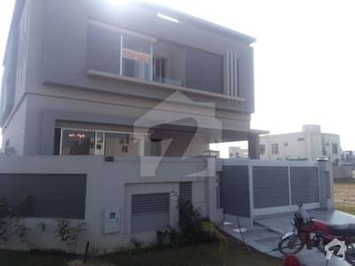 ڈی ایچ اے فیز 5 - بلاک ڈی فیز 5 ڈیفنس (ڈی ایچ اے) لاہور میں 4 کمروں کا 10 مرلہ مکان 1.1 لاکھ میں کرایہ پر دستیاب ہے۔