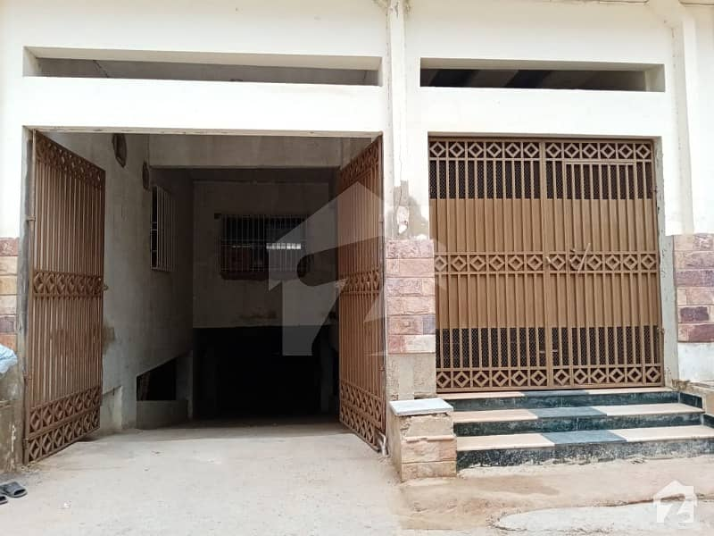 Flat Is Available For Sale Prime location In Upper Gizri