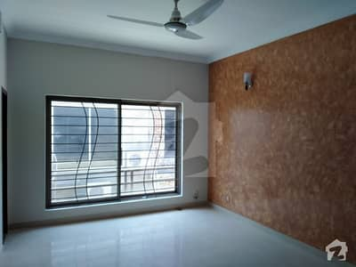 10 Marla Old Look Like New 5 Bed 2 unit House For Sale In Bahria Town