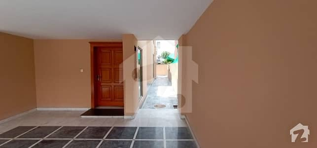 One Kanal Full House Available For Rent Block C