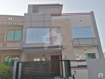 30x60 Corner Double Storey House Available For Sale In G-13/2 Islamabad