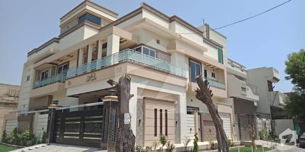 8.6 Marla House For Sell In Fareed Town Hot Location