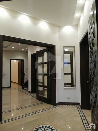 10 Marla Luxury House For Rent In Dha
