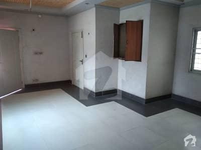 گلبرگ 2 گلبرگ لاہور میں 3 کمروں کا 14 مرلہ بالائی پورشن 60 ہزار میں کرایہ پر دستیاب ہے۔