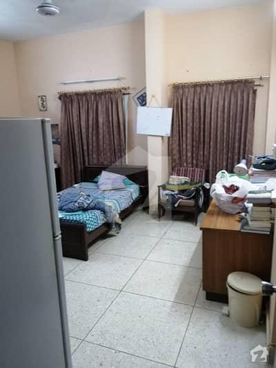 کلفٹن ۔ بلاک 8 کلفٹن کراچی میں 4 کمروں کا 10 مرلہ زیریں پورشن 3.25 کروڑ میں برائے فروخت۔