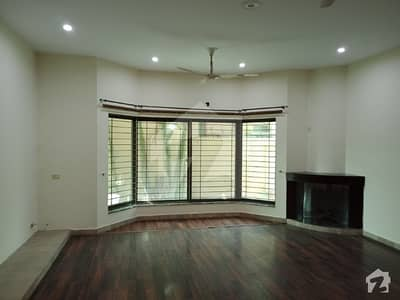 One Kanal Upper Portion 3bedroom Dinig Room  Drawing For Rent In Dha Lahore
