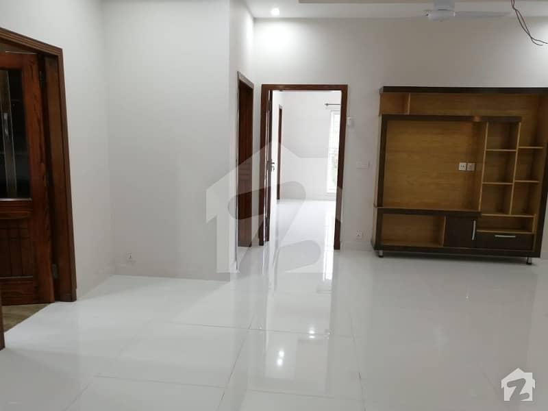 بحریہ ٹاؤن سیکٹر سی بحریہ ٹاؤن لاہور میں 5 کمروں کا 10 مرلہ مکان 65 ہزار میں کرایہ پر دستیاب ہے۔
