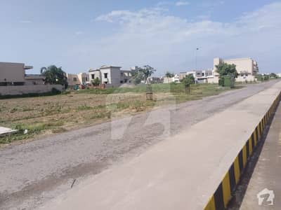 ڈی ایچ اے فیز 3 - بلاک ڈبل ایکس فیز 3 ڈیفنس (ڈی ایچ اے) لاہور میں 7 مرلہ رہائشی پلاٹ 1.35 کروڑ میں برائے فروخت۔