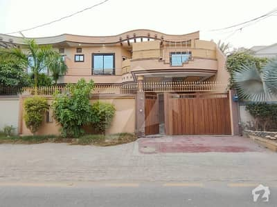 9 Marla Solid Owner Build House At Hot Location Very Near To Main Mps Road