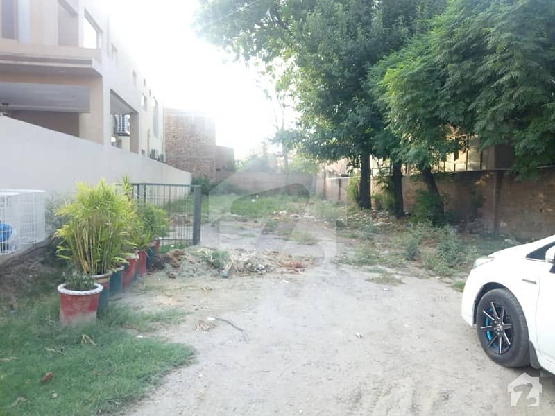 15 Marla Plot In Dha Phase 3 Block W Hot Location Near Market Park