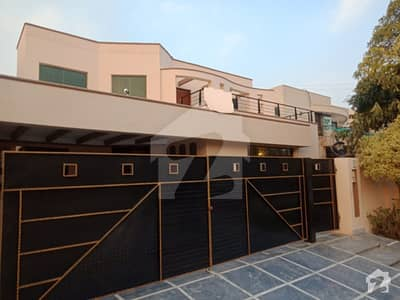 Defence One Kanal Corner House For Rent In Dha Lahore