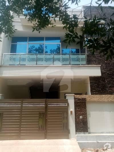 فور سِیزن ہاؤسنگ فیصل آباد میں 4 کمروں کا 6 مرلہ مکان 1.25 کروڑ میں برائے فروخت۔
