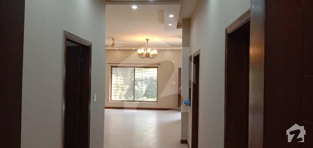 Beautiful 10 Marla House Available For Rent  In Bahria Town