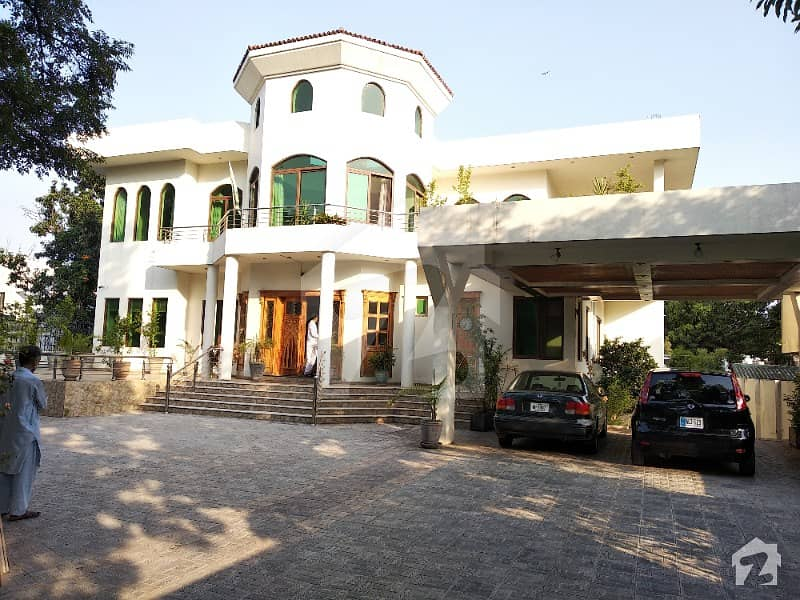 1866 Square Yards House For Sale Margalla Facing