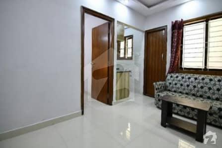 یونیورسٹی روڈ کراچی میں 2 کمروں کا 5 مرلہ فلیٹ 26 ہزار میں کرایہ پر دستیاب ہے۔