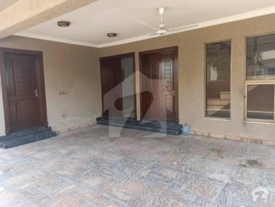 بحریہ ٹاؤن فیز 7 بحریہ ٹاؤن راولپنڈی راولپنڈی میں 6 کمروں کا 1 کنال مکان 1.1 لاکھ میں کرایہ پر دستیاب ہے۔