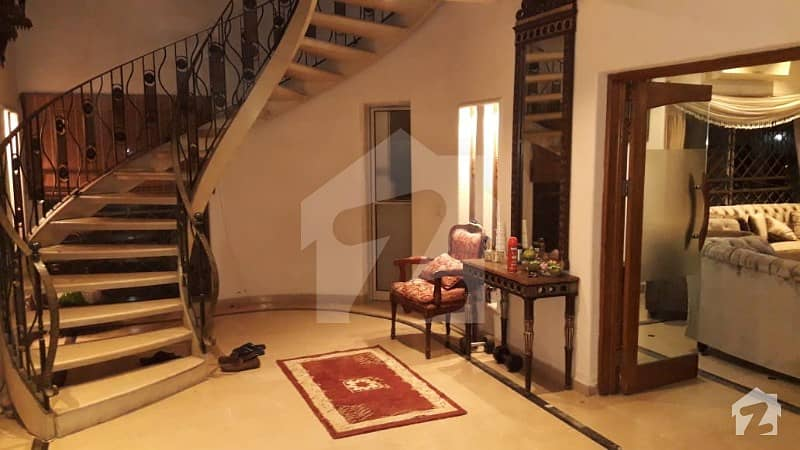 DHA Lahore 1 Kanal Owner Build House With 100 Original Pics Available For Rent
