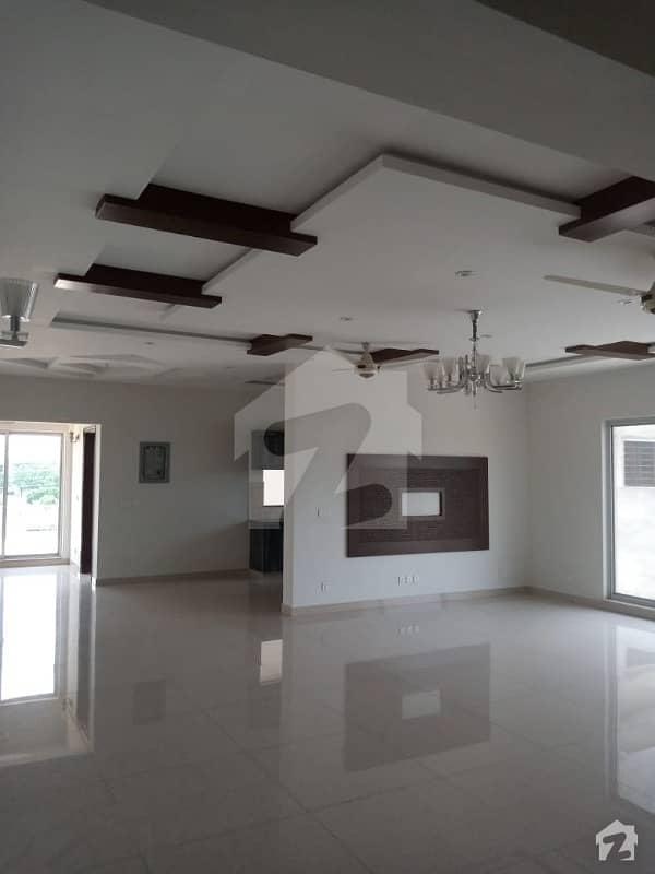 اسٹیٹ لائف فیز 1 - بلاک ای اسٹیٹ لائف ہاؤسنگ فیز 1 اسٹیٹ لائف ہاؤسنگ سوسائٹی لاہور میں 7 کمروں کا 1 کنال مکان 1.55 لاکھ میں کرایہ پر دستیاب ہے۔