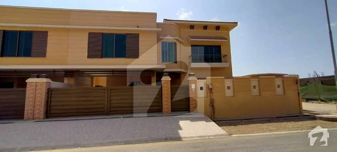 Attractive Bungalow For Sale At Ideal Location