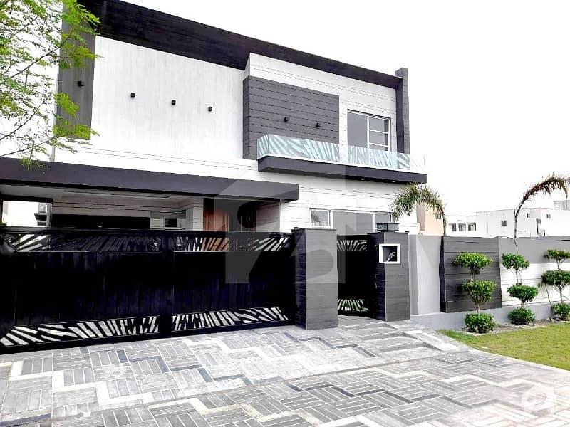ڈی ایچ اے فیز 6 - بلاک جے فیز 6 ڈیفنس (ڈی ایچ اے) لاہور میں 5 کمروں کا 1 کنال مکان 4.45 کروڑ میں برائے فروخت۔