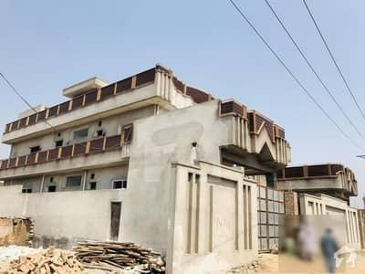 تاج آباد پشاور میں 1.7 کنال مکان 6 کروڑ میں برائے فروخت۔