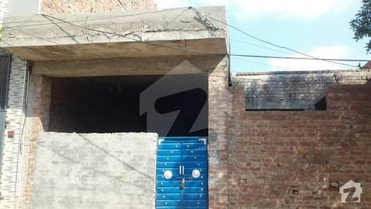 سعید کالونی - نیو گارڈن بلاک سعید کالونی فیصل آباد میں 2 کمروں کا 6 مرلہ مکان 52 لاکھ میں برائے فروخت۔