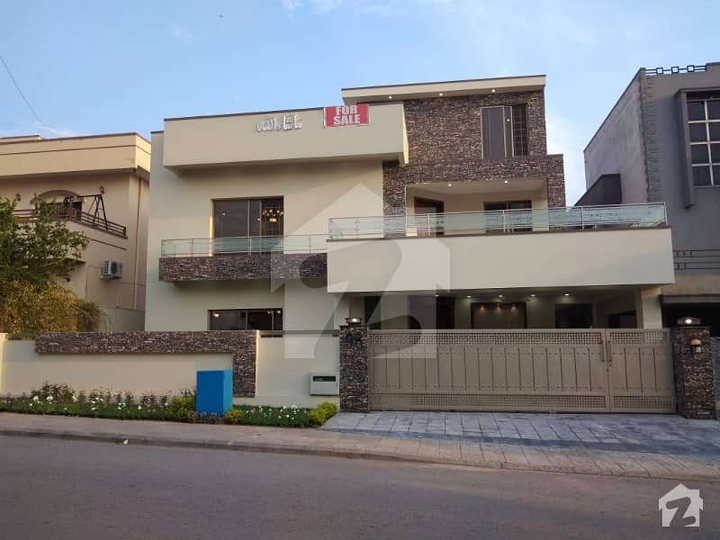 New 1 Kanal Good Quality Designer House In Hot Location Of Sector C