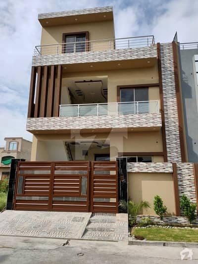 5.5 Marla Brand New Designer House With Solid Construction At Hot Location