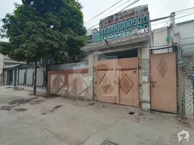 عشرت سنیما روڈ پشاور میں 6 کمروں کا 9 مرلہ مکان 2.6 کروڑ میں برائے فروخت۔