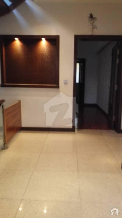 ڈی ایچ اے فیز 5 - بلاک ایل فیز 5 ڈیفنس (ڈی ایچ اے) لاہور میں 4 کمروں کا 10 مرلہ مکان 1.15 لاکھ میں کرایہ پر دستیاب ہے۔