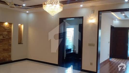 7 Marla Designer Brand New House Near To Park Excellent Location