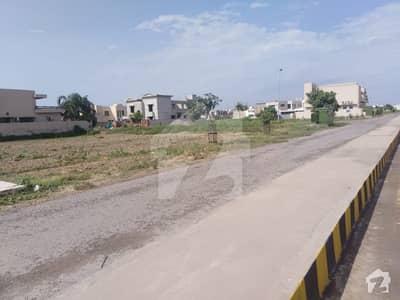 ڈی ایچ اے فیز9 پریزم - بلاک ڈی ڈی ایچ اے فیز9 پریزم ڈی ایچ اے ڈیفینس لاہور میں 2 کنال رہائشی پلاٹ 4.1 کروڑ میں برائے فروخت۔
