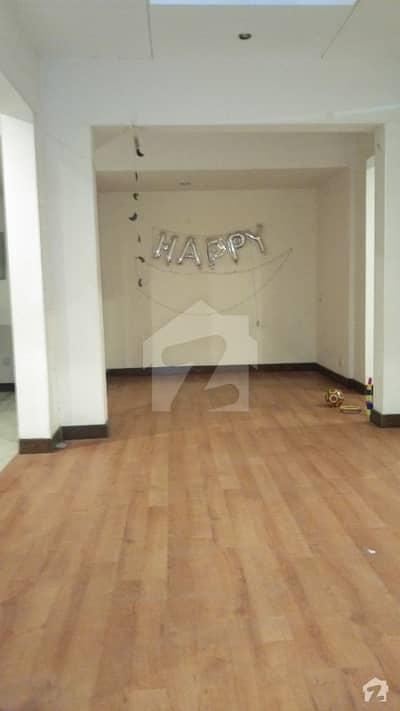 ڈی ایچ اے فیز 2 ڈی ایچ اے کراچی میں 5 کمروں کا 1.1 کنال مکان 10 کروڑ میں برائے فروخت۔