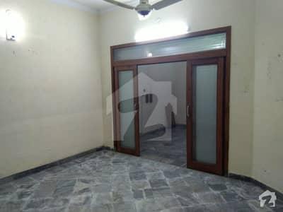 ریونیو سوسائٹی - بلاک بی ریوینیو سوسائٹی لاہور میں 2 کمروں کا 6 مرلہ زیریں پورشن 27 ہزار میں کرایہ پر دستیاب ہے۔