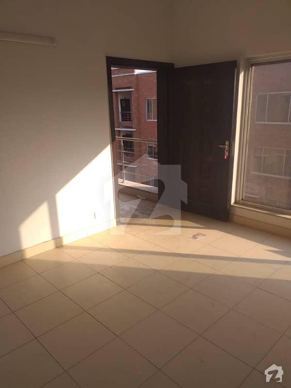 بحریہ آرچرڈ فیز 2 بحریہ آرچرڈ لاہور میں 2 کمروں کا 5 مرلہ فلیٹ 29 لاکھ میں برائے فروخت۔