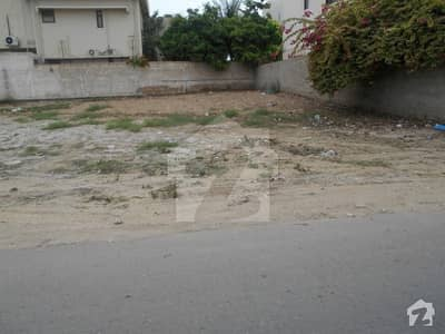 Clear Location 200 Sqyards Plot at very Well known Peninsula Commercial lane 10