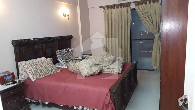 فریرے ٹاؤن کراچی میں 3 کمروں کا 6 مرلہ فلیٹ 2.4 کروڑ میں برائے فروخت۔