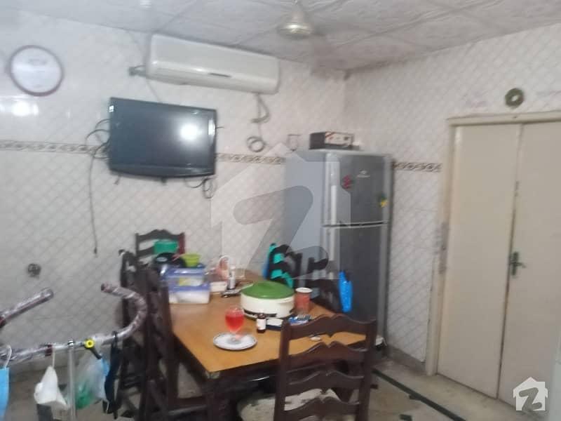 مغلپورہ لاہور میں 6 کمروں کا 5 مرلہ مکان 95 لاکھ میں برائے فروخت۔
