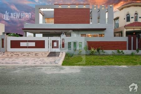 ڈی ایچ اے فیز 6 ڈیفنس (ڈی ایچ اے) لاہور میں 5 کمروں کا 1 کنال مکان 4.2 کروڑ میں برائے فروخت۔