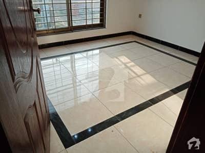 ڈی ایچ اے 11 رہبر فیز 2 ڈی ایچ اے 11 رہبر لاہور میں 3 کمروں کا 5 مرلہ مکان 42 ہزار میں کرایہ پر دستیاب ہے۔