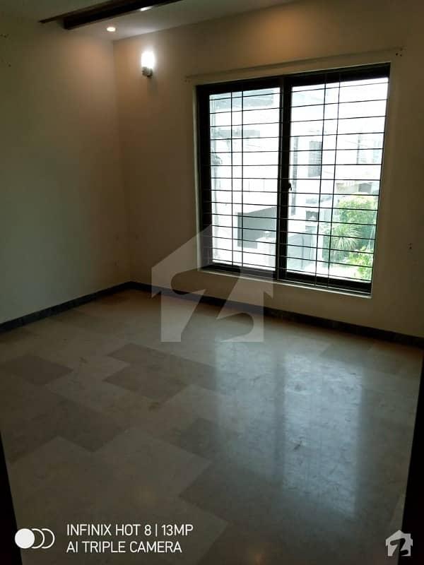 اسٹیٹ لائف فیز 1 - بلاک اے اسٹیٹ لائف ہاؤسنگ فیز 1 اسٹیٹ لائف ہاؤسنگ سوسائٹی لاہور میں 3 کمروں کا 5 مرلہ مکان 1.2 کروڑ میں برائے فروخت۔