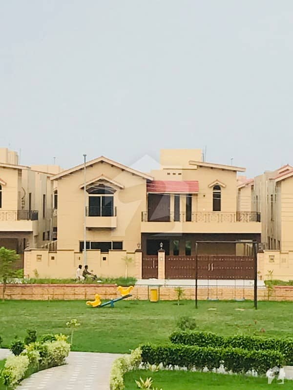 عسکری 10 - سیکٹر ایف عسکری 10 عسکری لاہور میں 5 کمروں کا 17 مرلہ مکان 4.25 کروڑ میں برائے فروخت۔
