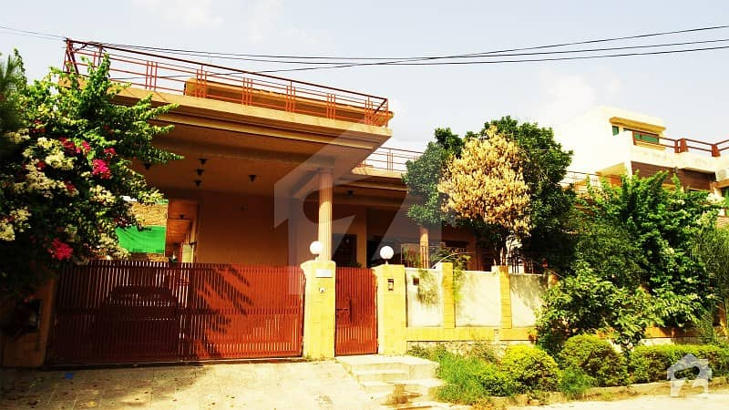 گلریز ہاؤسنگ سوسائٹی فیز 4 گلریز ہاؤسنگ سکیم راولپنڈی میں 7 کمروں کا 1 کنال مکان 2.65 کروڑ میں برائے فروخت۔
