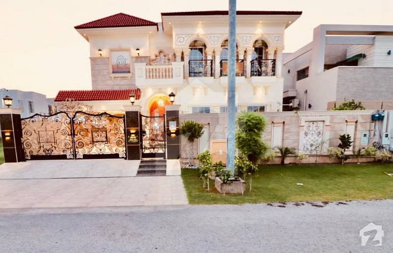 Richmoor Presents 1 kanal Brand New House is for RENT