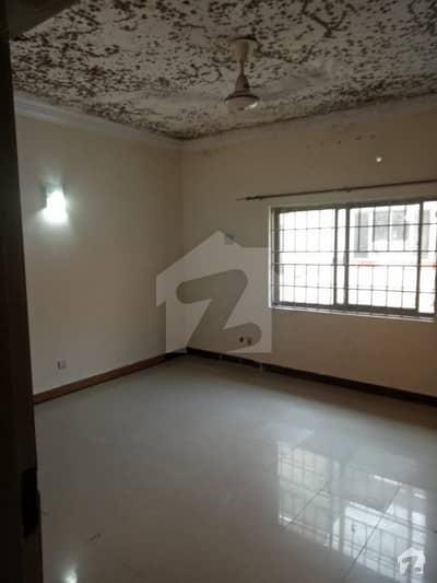 جی ۔ 10/4 جی ۔ 10 اسلام آباد میں 3 کمروں کا 6 مرلہ مکان 70 ہزار میں کرایہ پر دستیاب ہے۔