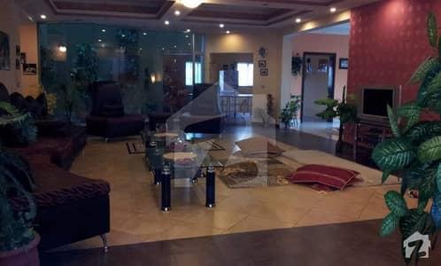این ایف سی 1 لاہور میں 5 کمروں کا 2 کنال مکان 5.7 کروڑ میں برائے فروخت۔