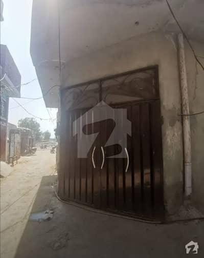 شیر شاہ کالونی بلاک ڈی شیرشاہ کالونی - راؤنڈ روڈ لاہور میں 4 کمروں کا 5 مرلہ مکان 60 لاکھ میں برائے فروخت۔
