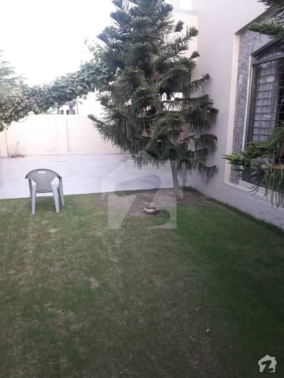 Dha Phase 3 1 Kanal Old House For Sale Near To Market