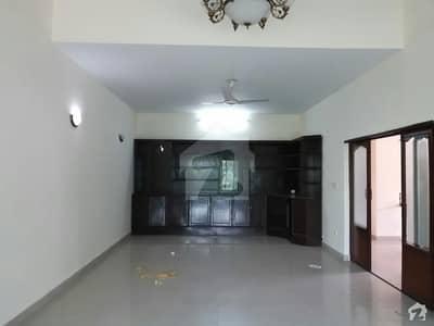 جی ۔ 9/4 جی ۔ 9 اسلام آباد میں 5 کمروں کا 8 مرلہ مکان 85 ہزار میں کرایہ پر دستیاب ہے۔