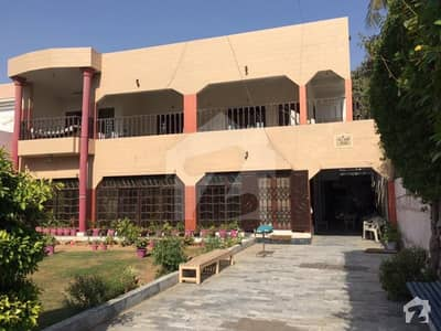 833 Sq Yards Double Old House  Block 4 Gulshan